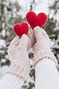 Papel de Parede Desktop Dia dos Namorados Mittens Mão Coração 2