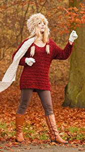 Hintergrundbilder Herbst Blond Mädchen Mütze Schal junge Frauen