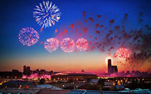 Papéis de parede Fogos de artifício Céu Tarde Dia da Vitória 9 de maio Moscovo Rússia Feriados Estádio Luzhniki Stadium Cidades