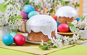 Fotos Ostern Kulitsch Zuckerguss