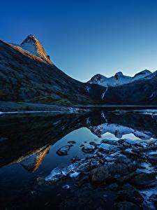 Fotos Norwegen Gebirge Abend See Steine Landschaftsfotografie