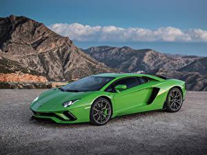 Fotos Lamborghini Grün Metallisch 2017-19 Aventador S Worldwide