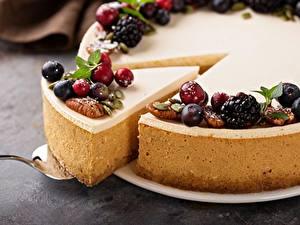Fotos Obstkuchen Beere Stücke Lebensmittel