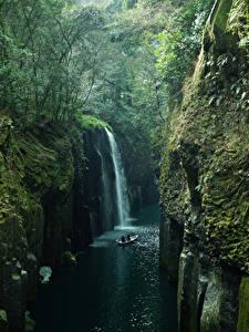 Bilder Japan Flusse Wasserfall Wälder Felsen Laubmoose Takachiho Kyushu