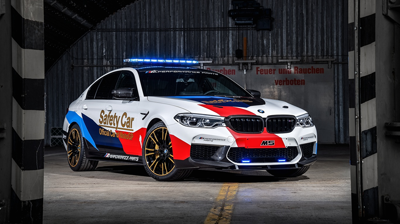 Images BMW Tuning 2018 M5 MotoGP Safety Car auto 1366x768 Cars automobile