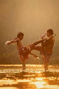 Fotos Flusse Asiatische Zwei Schlägerei Jungen Kinder