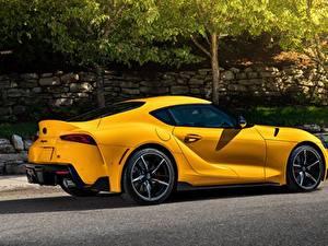 Hintergrundbilder Toyota Gelb Metallisch Coupe Seitlich Supra GR, A90, mk5, Gazoo Racing auto