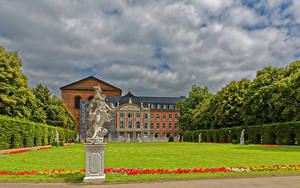 Picture Germany Building Sculptures Palace Lawn Trier Cities