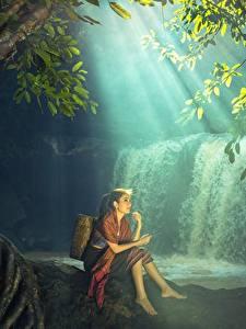 Bilder Wasserfall Asiatische Sitzend Schönes junge Frauen