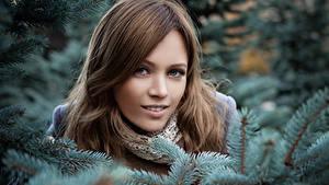 Hintergrundbilder Winter Ast Gesicht Blick Mädchens