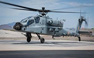 Fotos Hubschrauber AH-64 Apache Abheben