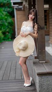 Fotos Asiatisches Der Hut Blick junge Frauen