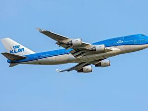 Fotos Verkehrsflugzeug Boeing Seitlich 747-400M KLM