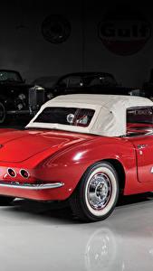Bilder Chevrolet Retro Rot Hinten Metallisch 1961 Corvette 283-270 HP Autos