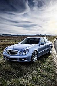 Fotos Mercedes-Benz Wege E-Class W211 auto
