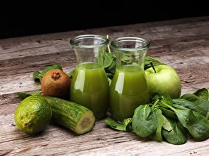 Fotos Saft Gurke Limette Kiwi Äpfel Bretter Trinkglas Grün