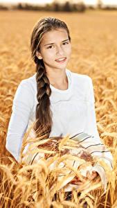 Hintergrundbilder Kleine Mädchen Spitze Starren Braunhaarige Zopf junge frau