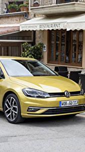 Fotos Volkswagen Gelb Metallisch 2017 Golf TDI 5-door Worldwide (Typ 5G) Autos