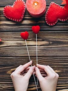 Bilder Valentinstag Kerzen Herz Hand Bretter