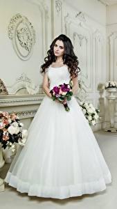Hintergrundbilder Blumensträuße Brünette Bräute Kleid Weiß