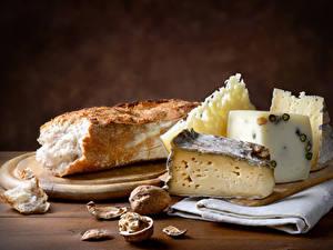 Fotos Käse Brot Nussfrüchte Schneidebrett
