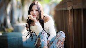 Fotos Asiaten Unscharfer Hintergrund Haar Starren Mädchens
