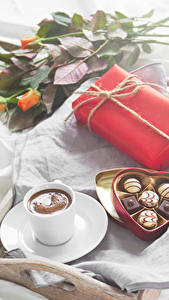 Wallpapers Holidays Roses Candy Coffee Chocolate Gifts Box