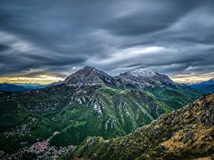 Bilder Frankreich Berg Gebäude Himmel Pyrenees Natur