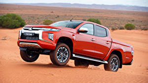Fotos Mitsubishi Rot Metallisch Pick-up 2018 Triton Double Cab TH-spec Autos