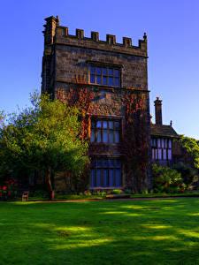 Fotos England Gebäude Design Herrenhaus Rasen Bäume Turton Tower Städte