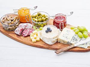 Bilder Messer Oliven Wurst Käse Powidl Pilze Weintraube Schneidebrett Weckglas Lebensmittel