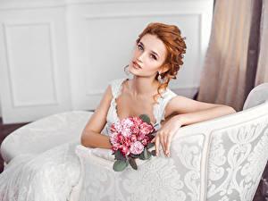 Hintergrundbilder Sträuße Rotschopf Bräute Blick Sitzend Mädchens