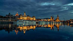 Hintergrundbilder Deutschland Dresden Gebäude Fluss Bootssteg Abend Binnenschiff Städte