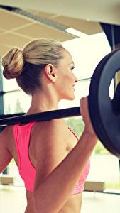 Fotos Fitness Hantelstange Spiegel Trainieren Mädchens Sport
