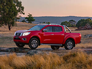 Fotos Nissan Pick-up Rot Metallisch 2017-19 Navara ST-X Dual Cab Autos