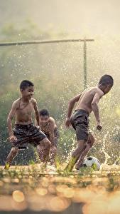 Pictures Footbal Asian Three 3 Boys Spray Fog Children