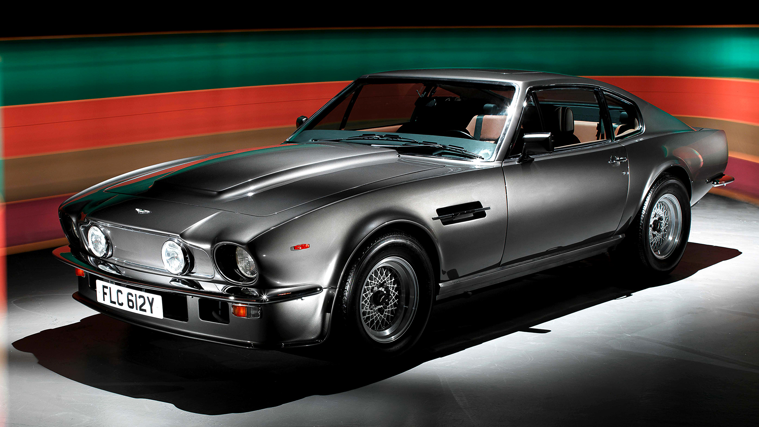 Photo Aston Martin 1987 89 V8 Vantage X Pack Gray Vintage 2560x1440