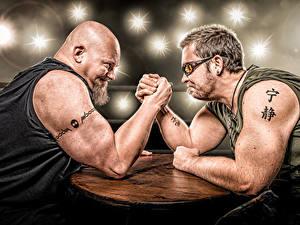 Bilder Mann Zwei Barthaar Hand Tätowierung sportliches