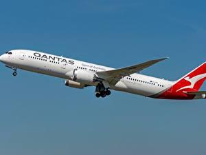 Hintergrundbilder Verkehrsflugzeug Boeing Seitlich Qantas 787-9