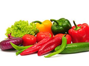 Hintergrundbilder Gemüse Zwiebel Paprika Gurke Tomaten Weißer hintergrund das Essen