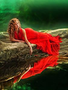 壁纸、、水、赤毛少女、ドレス、赤、、