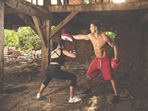 Bilder Boxen Mann Körperliche Aktivität Zwei Hand Trainer Sport Mädchens
