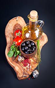 Hintergrundbilder Oliven Tomaten Beere Grauer Hintergrund Krüge Eier Öle