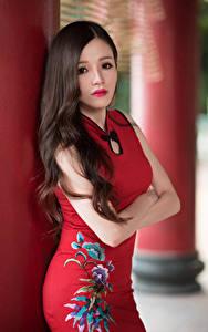 Bilder Asiaten Kleid Hand Braune Haare Haar Starren junge frau