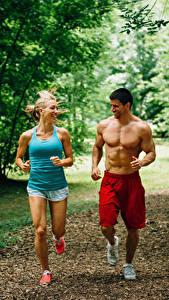 Hintergrundbilder Mann Zwei Lauf Körperliche Aktivität Lächeln Unterhemd Sport Mädchens