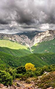 Fotos Italien Gebirge Himmel Landschaftsfotografie Strauch Wolke Canyon Gorropu Natur