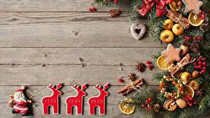 Hintergrundbilder Neujahr Kekse Hirsche Äpfel Zimt Bretter Ast Design Weihnachtsmann Zapfen das Essen