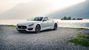 Bilder Maserati Weiß Metallisch 2019 Quattroporte GTS GranSport Autos