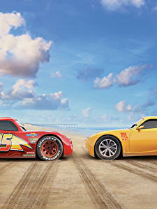 Bilder Cars 3 Zwei Gelb Rot Lightning McQueen, Cruz Ramirez Animationsfilm