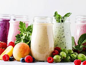 Hintergrundbilder Smoothie Obst Himbeeren Stachelbeere Trinkglas Einweckglas Lebensmittel